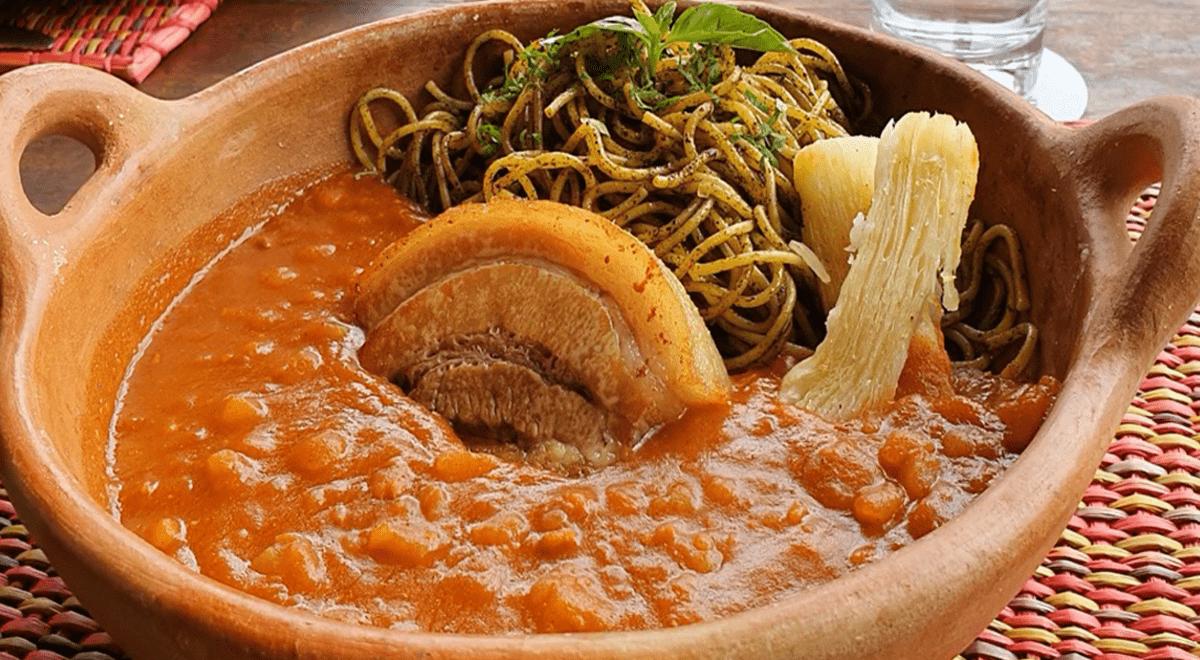 Aprende a preparar una deliciosa carapulcra con sopa seca chinchana